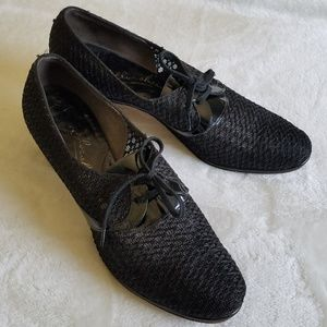 Vintage Florsheim lace-up mesh and patent heels